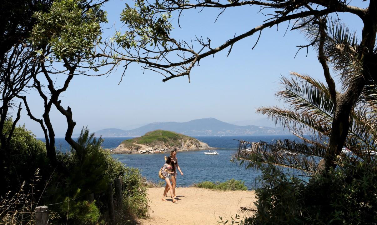 5 sublimes balades en bord de mer faire dans le var - Arbuste bord de mer ...