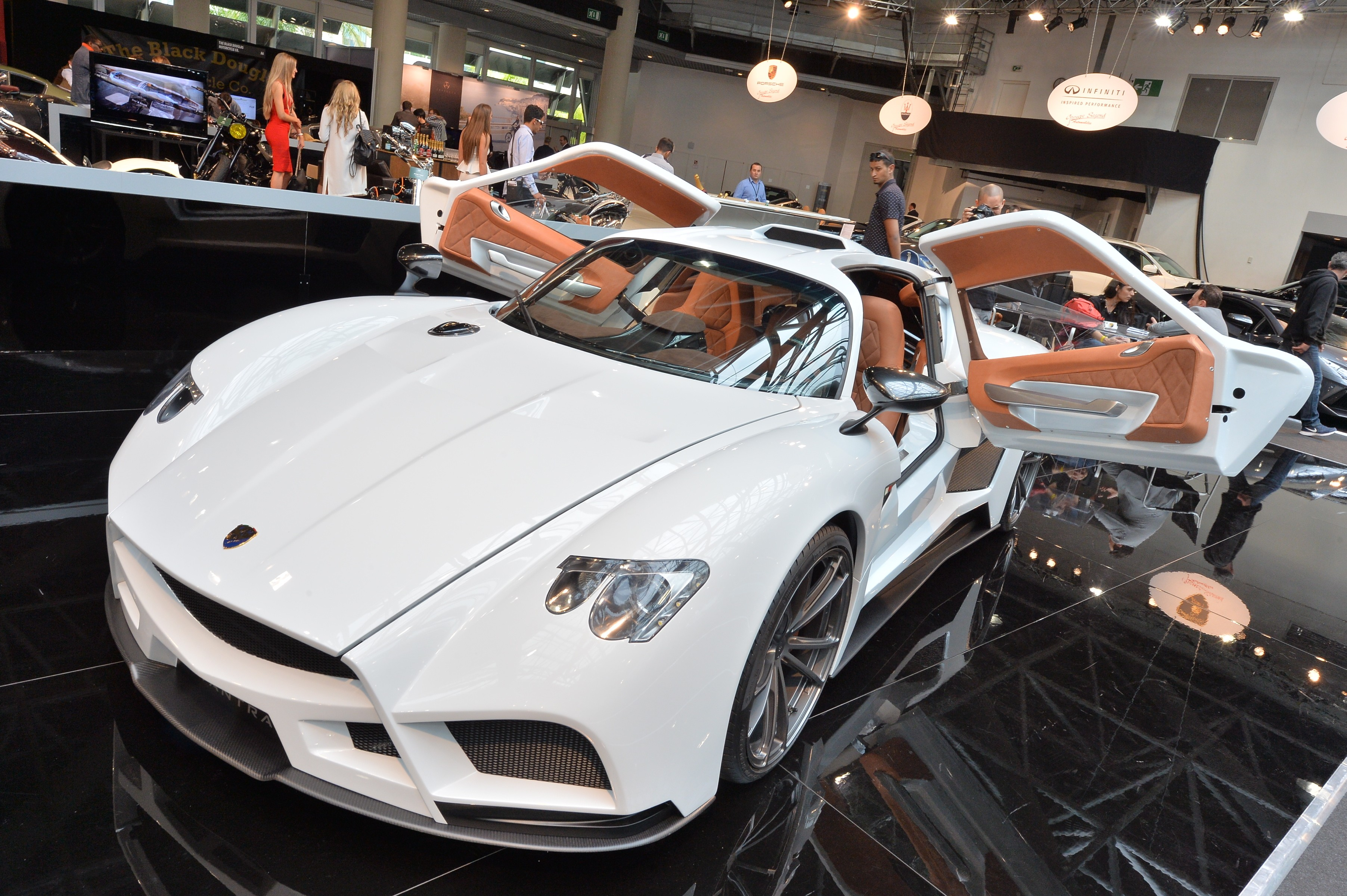 Photos les plus belles voitures du salon top marques de for Salon du luxe monaco