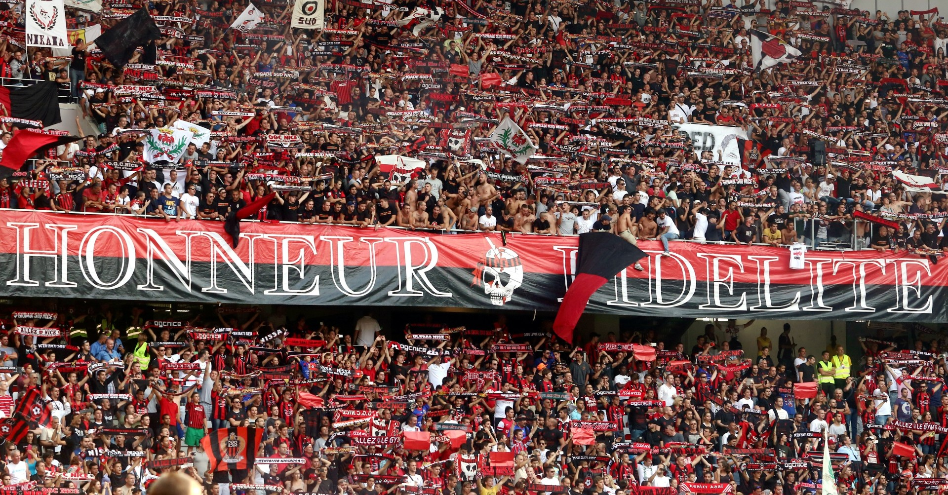 supporters allianz