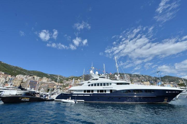 Photos les bateaux grand luxe s 39 invitent au monaco yachts - Salon du yacht monaco ...