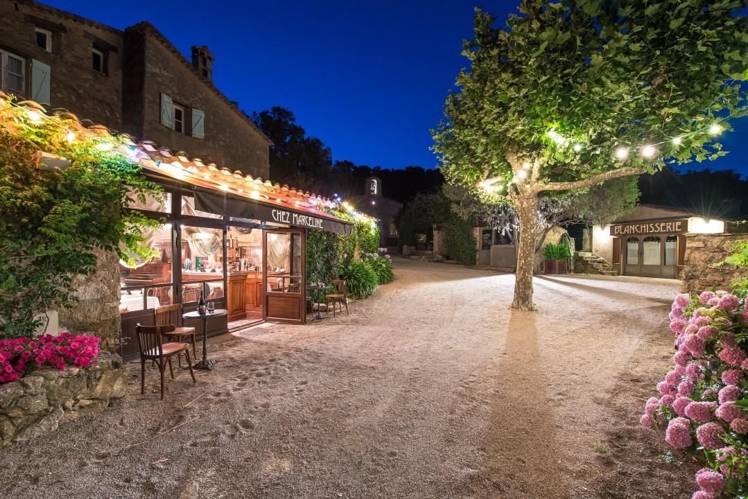 photos d 233 couvrez le hameau varois de johnny depp en vente pour cinquante millions d euros