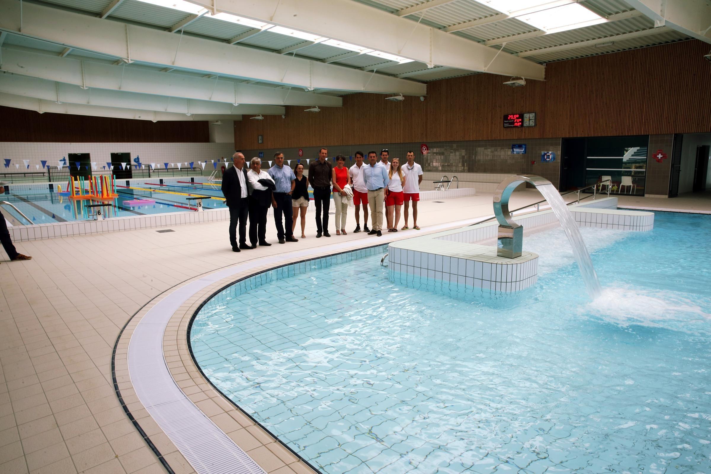Photos vous pouvez enfin vous baigner dans le nouveau for Complexe piscine