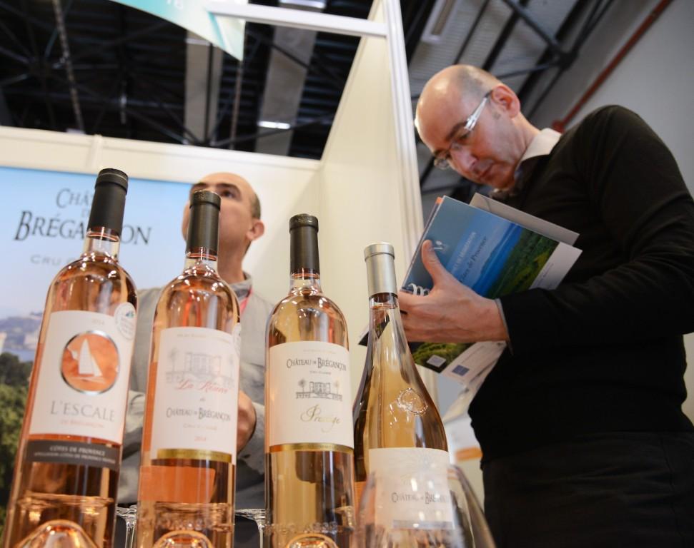 Photos vins au salon du mill sime mandelieu tendance for Salon du vin nice